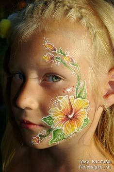 Face painting examples are very useful in the art of face painting. One of the greatest things about face painting examples, is that there are many reference guides both free and for sale that will show you many different types of fac Face Painting Images, Face Painting Flowers, Face Painting Tutorials, Face Painting Designs, Types Of Color Schemes, Clown Images, Cheek Art, Belly Painting, Face Art