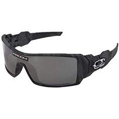 Oakley Oil Rig Sunglasses Black Camo/Prizm Black Lens Best Mens Sunglasses, Sports Sunglasses, Sunglasses Women, Polarized Sunglasses, Oakley Sunglasses, Aviators Women, Oakley Batwolf, Disney Toms, Toms Outlet