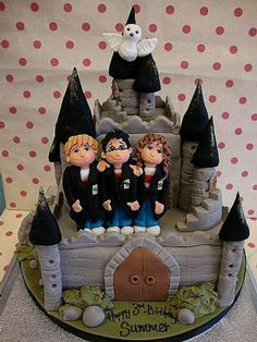 Harry Potter  Who gets a cake like this for their third birthday?!?!?!?!