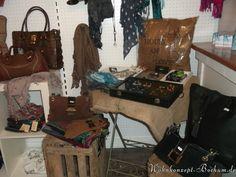 2013-11-19 Neue Ware eingetroffen und eindekoriert Bild 3 - unsere Schmuck-Ecke neu sortiert