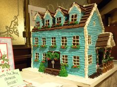 Blue Cabin Gingerbread House Idea These 14 Incredible Gingerbread Houses will inspire you to create a gingerbread masterpiece of your own this holiday season. Gingerbread House Pictures, Cool Gingerbread Houses, Gingerbread House Designs, Christmas Gingerbread House, Gingerbread Cookies, Christmas Cookies, Holiday Fun, Christmas Holidays, Gingerbread Village