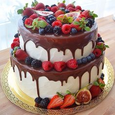 Gyümölcsös Cupcakes, Cupcake Cakes, Cheesecake Wedding Cake, Decadent Cakes, Gorgeous Cakes, Occasion Cakes, Drip Cakes, Fondant Cakes, Tiered Cakes