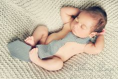 Newborn Photography #portrait #session #photographer #poses #ideas #inspiration #props #baby #boy #tie