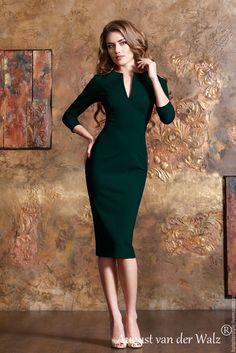 Купить Платье футляр, рукав 3/4, идеальная посадка - тёмно-зелёный, платье на каждый день