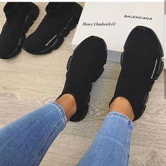 50 Ideas Basket Femme Tendance Balenciaga For 2019 Sneakers Mode, Sneakers Fashion, All Black Sneakers, Fashion Shoes, Fashion Goth, Fashion Beauty, Me Too Shoes, Women's Shoes, Shoes Sneakers