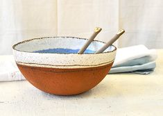 Ceramic bowl, large bowl, salad bowl, serving bowl, centerpiece bowl, rustic bowl, big bowl, pottery bowl, fruits bowl Add a touch of elegance and charm to your kitchen with this large salad bowl. Perfect for a fresh green salad.Elegance will elevate your dining daily style. It