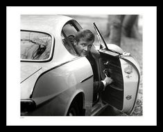 Roger Moore in The Saint - Official Fine Art Photo Prints - Classic Stills Vera Day, Golden Frog, Crime Of The Century, 1960s Tv Shows, Roger Moore, Fine Art Photo, Photo Archive, Rare Photos, Limited Edition Prints