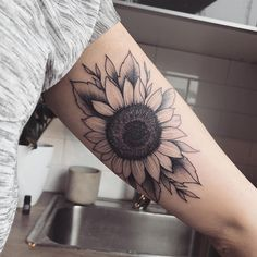 22 we love sunflower tattoo sleeve black beautiful 5 Trendy Tattoos, Sexy Tattoos, Cute Tattoos, Body Art Tattoos, Small Tattoos, Sleeve Tattoos, Tattoos For Women, Peace Tattoos, Tattoo Sleeves