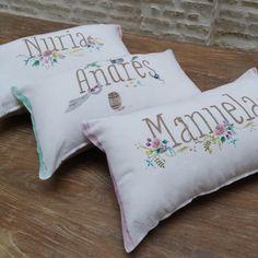 Cojines personalizados con tu nombre. Perfectos para una habitación, ideales como regalo. Personalized pillows with your name. Perfect for a bedroom, a very cool gift.