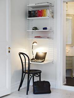 Wire desk design in corner