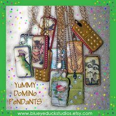 Domino Pendants - M Domino Jewelry, Resin Jewelry, Jewelry Crafts, Jewelry Art, Jewelry Ideas, Jewlery, Wooden Jewelry, Domino Art, Ornaments