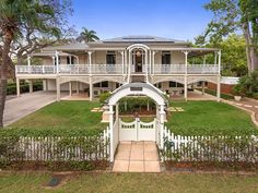 88 Laurel Avenue, Chelmer, Qld View property details and sold price of 88 Laurel Avenue & other properties in Chelmer, Qld Queenslander House, Building A House, Building Homes, Front Entrances, Victorian Architecture, Australian Homes, Facade House, Sunshine Coast, Beautiful Homes