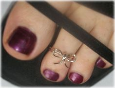 STERLING Silver or GOLD Filled Bow TOE Ring. $14.00, via Etsy.