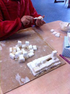 Bouwen met suikerklontjes. Cement van bloem gemengd met een beetje water. Psg, School, Winter, Kunst, Winter Time, Schools