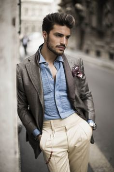 Dandy Mania - Check the new suggestions on how to get the dandy look you've always dreamt about. Mdv Style, Men's Style, Street Style Magazine, Beautiful Men Faces, Wattpad, Sharp Dressed Man, Men Street, Casual Elegance, Business Fashion