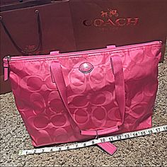 Coach Overnight Bag  Coach Overnight Bag   Spend the weekend in style  Super cute overnight bag & my favorite color  just wish the straps were longer  other than that  LOVE IT Coach Bags Travel Bags