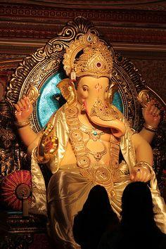 Shooting Ganesha Is Nothing Short of Poetry