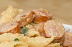 Hot dog no pão de alho. | 11 receitas fáceis para deixar a salsicha ainda mais gostosa