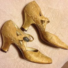 Stunning Gold Brocade Edwardian Dress Shoes by sdbees1030 on Etsy