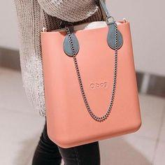 #Guccihandbags Gucci Handbags, Purses And Handbags, O Bag, Goodie Bags, Michael Kors Jet Set, Bucket Bag, Burberry, Outfit, Choices