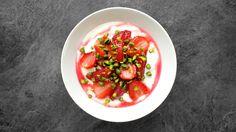 Dušená rebarbora s jahodami Salsa, Cabbage, Mexican, Vegetables, Ethnic Recipes, Food, Restaurant Salsa, Veggies, Essen