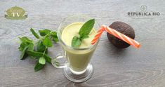 Afla de pe blogul Republica BIO cum poti prepara un smoothie energizant cu ceai verde matcha, o reteta preluata de pe site-ul Retete TV.