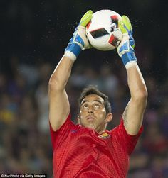 Claudio Bravo is expected to seal a £17m move to Manchester City from Barcelona…