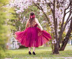 Werbung | Der April hat mir wahnsinnig gut getan. Nicht nur, dass ich endlich meine Motivation zurückbekommen habe, gleichzeitig ist die Lethargie in allen Bereichen verschwunden. Auch diesen Monat habe ich manches zu schätzen und lieben gelernt. Blütenbäume, Violett und vor allem tägliche Workouts haben den April bestimmt. Was mich sonst noch inspiriert hat und… Der Beitrag Blütenbäume, Violett & Workouts | Loved lately erschien zuerst auf Pipifein. Monat, Tulle, Workout, Motivation, Love, Red And Blue, Pentecost, Little Dresses, Lilac Bushes