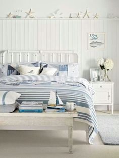 A little nautical bedroom