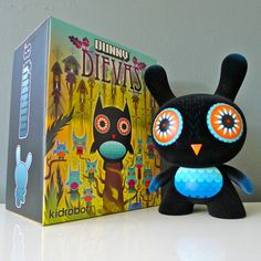 It's a Dunny, it's an OWL, It's an awesome Art toy!!! Hurry Hurry only 2 days left!!!   http://www.ebay.com/itm/251021499987?ssPageName=STRK:MESELX:IT&_trksid=p3984.m1555.l2649#ht_823wt_1189