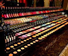 makeup heaven :)  http://happybodyandmind.blogspot.com