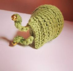 Ugh all sluggish lately.  #amigurumi #crochet #slug #sluglife #sluggish #gastropod #naptime #limegreen #handmade #crocheteveryday #kawaii #cute #bugs #sleepy #sleepypeepers #inertia #nature #science #biology #crochetaddiction #crochetersofinstagram #amigurumicrochet #amigurumiaddict #bedtime #siestafiesta #needcoffee