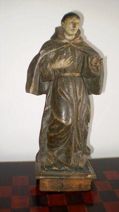 Talla representando a un Santo. Siglo XVIII. Altura 36 cm.