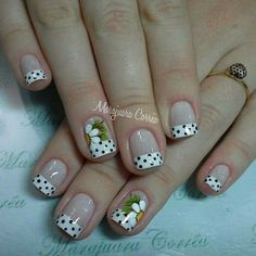 Blanco y negro French Nail Art, French Nail Designs, Nail Art Designs, Cute Nails, Pretty Nails, Acrylic Nails, Gel Nails, Daisy Nails, Flower Nail Art