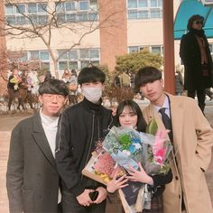 Sibong won yo y Chan hyung Ulzzang Korean Girl, Ulzzang Couple, Boy Best Friend, Best Friend Goals, Korean Picture, Korean Best Friends, Girl Friendship, Girl Korea, Graduation Photography