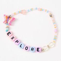 Stretch Bracelets, Word Bracelets, Beaded Bracelets, Barbie, Fitness Bracelet, Girls Necklaces, 10th Birthday, Cute Jewelry, Fun Crafts