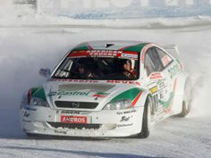 Opel Astra ice race car