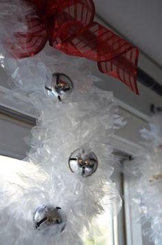 Easy and cheap DIY holiday wreath www.ciburbanity.com