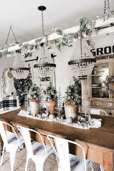Rustic Glam Christmas Farmhouse Dining Room - A must pin for farmhouse christmas decor Christmas Tablescapes, Holiday Tablescape, Cottage Christmas, White Christmas, Farmhouse Christmas Decor, Rustic Christmas, Christmas Lights, Christmas Home, Christmas Wreaths