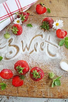 VIBEKE DESIGN: Sweet Strawberry!