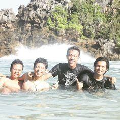 And why are we laugh?? #beach #travel #trip #sempu #island #indonesia #adventure
