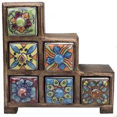 Handgemaakt opbergkastje van mangohoutmet handgeschilderde porseleinen laatjes.