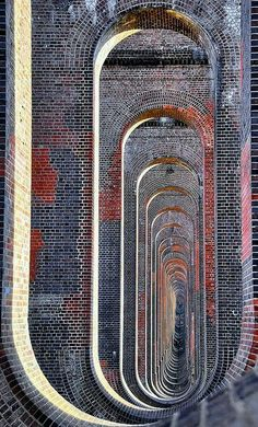 """Architectural Infinity""/Ouse Valley Viaduct (UK)"