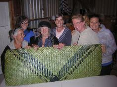 On the weekend of May 2014 a group of weavers gathered to create a very special whariki (woven mat) together. Flax Weaving, Maori Art, Metal Furniture, New Zealand, Weave, How To Plan, Projects, Group, Crafts