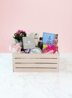 Stuck for what to buy your Mum for Mother's Day? A DIY hamper is the perfect gift