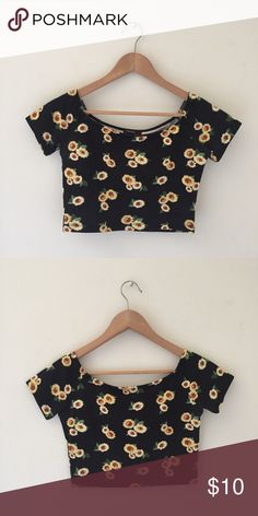 Forever 21 | Sunflower Black Crop Top Size Small. Brand is Forever 21. Forever 21 Tops Crop Tops