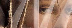 Christo, al secolo Christo Vladimirov Yavachev, classe 1935 ma una elasticità fisica sorprendente, è a Roma per un progetto piccolo e insieme grande. Non potendo impacchettare i Musei vaticani (come fece con le Montagne rocciose nel 1972, con Porta Pinciana a Roma nel '74 o col Reichstag di Berlino nel 1995) ha simbolicamente chiuso in un involucro di plastica semi-opaca i dvd Alla scoperta dei Musei vaticani con Alberto Angela prodotti dal Centro televisivo vaticano e Officina della…