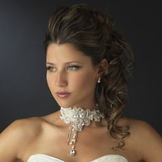 White Venice Lace Necklace Set. Kim's Bridal, Keywords:  #michiganeventrentals #michiganbridalshop #weddingrentals #weddingaccessories #kimsbridal Follow Us: http://www.kimsgiftbaskets.com/ ... https://www.facebook.com/KimsGifts