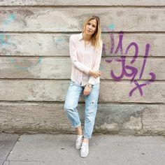 tifmys - Zara shirt, Rosefield watch, H&M Boyfriend Jeans & Adidas Gazelle sneakers.