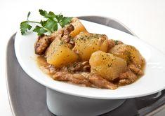 Patatas Guisadas, Carne Asada, Pot Roast, Pasta, Ethnic Recipes, Food, Arrows, Recipes With Potatoes, Crock Pot